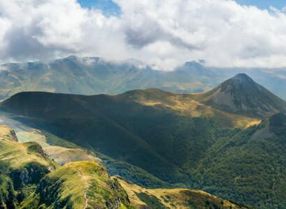 Road trip en van aménagé en Auvergne